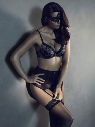 559x745xfifty-shades-grey-lingerie5.jpg.pagespeed.ic.60e2IQEP3G