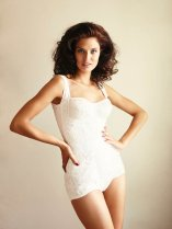 800x1067xbianca-lingerie-shoot4.jpg.pagespeed.ic.AsxrhkwxAa