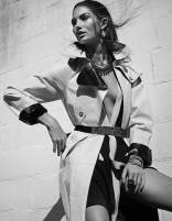 900x1164xLily-Aldridge-Elle-Korea-7.jpg.pagespeed.ic.z4bVR7gm7y