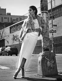 900x1164xLily-Aldridge-Elle-Korea-8.jpg.pagespeed.ic.q3QbrIarGB