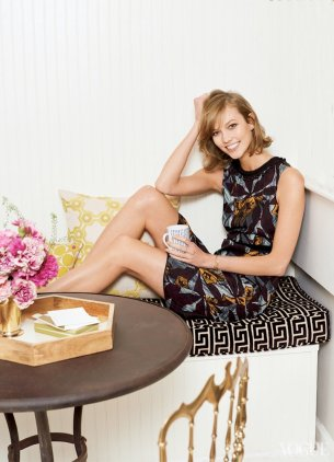 800x1107xkarlie-kloss-home2.jpg.pagespeed.ic.SfzCFR0VtG
