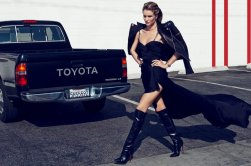 800x532xrosie-huntington-whiteley-photos3.jpg.pagespeed.ic.1MFkqU_Q-q